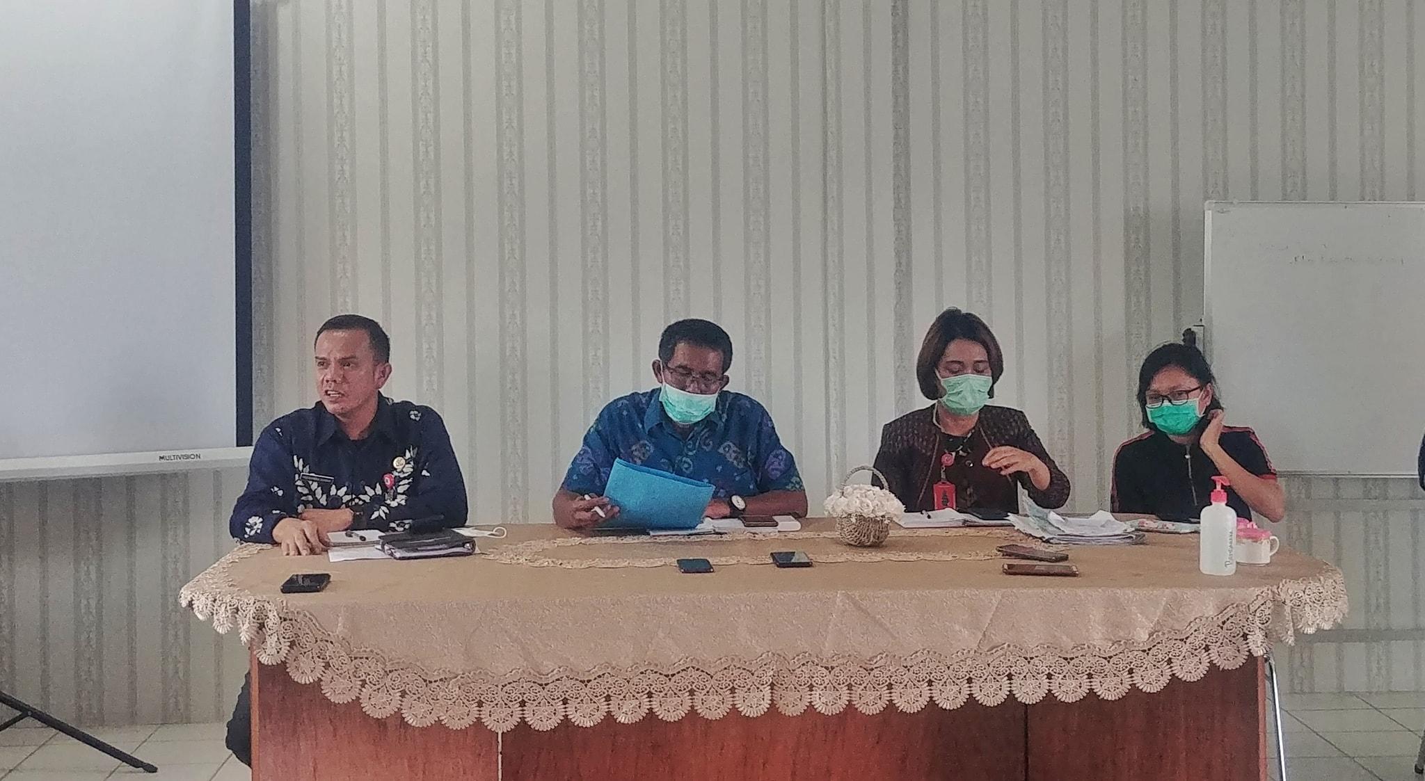 KONFERENSI PERS TERKAIT MENINGGALNYA PASIEN PDP DI HUMBANG HASUNDUTAN