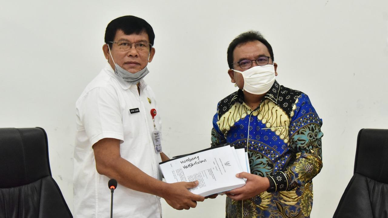 Penyerahan Draf Rancangan Peraturan Gubenur Sumatera Utara Tentang New Normal