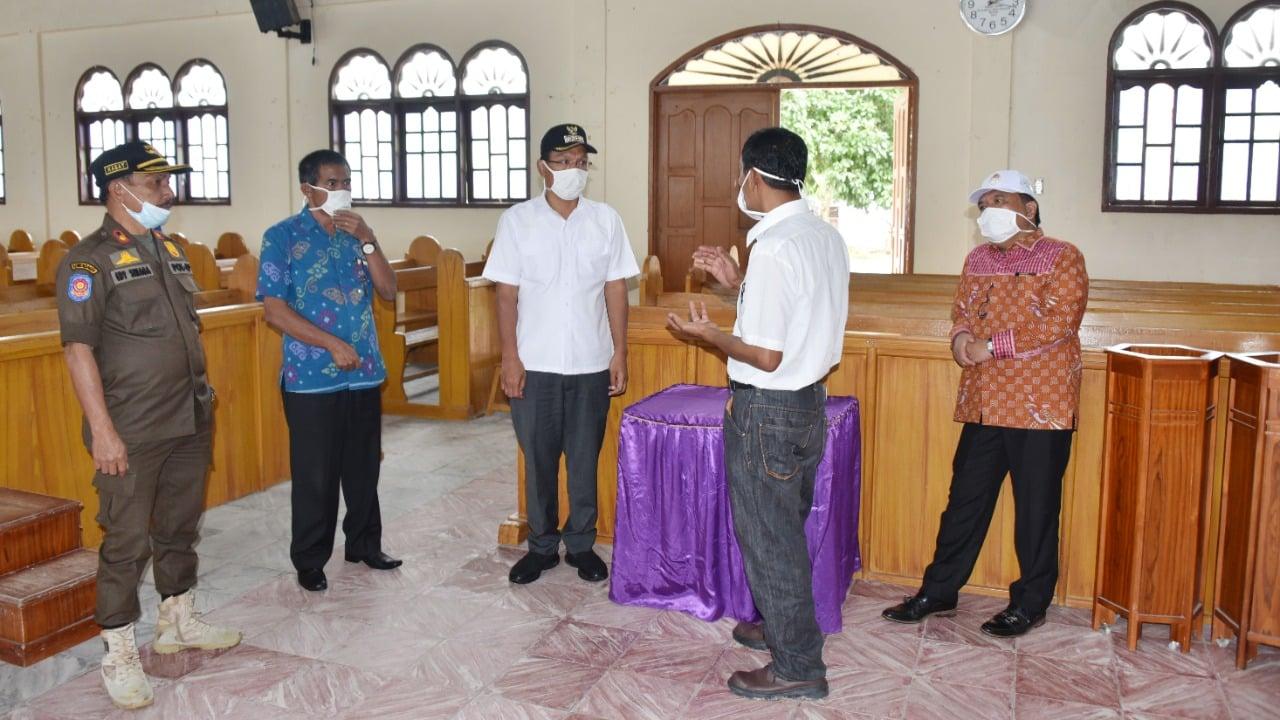 Bupati Humbahas Tinjau Sejumlah Tempat Ibadah Dalam Rangka Pelaksanaan New Normal