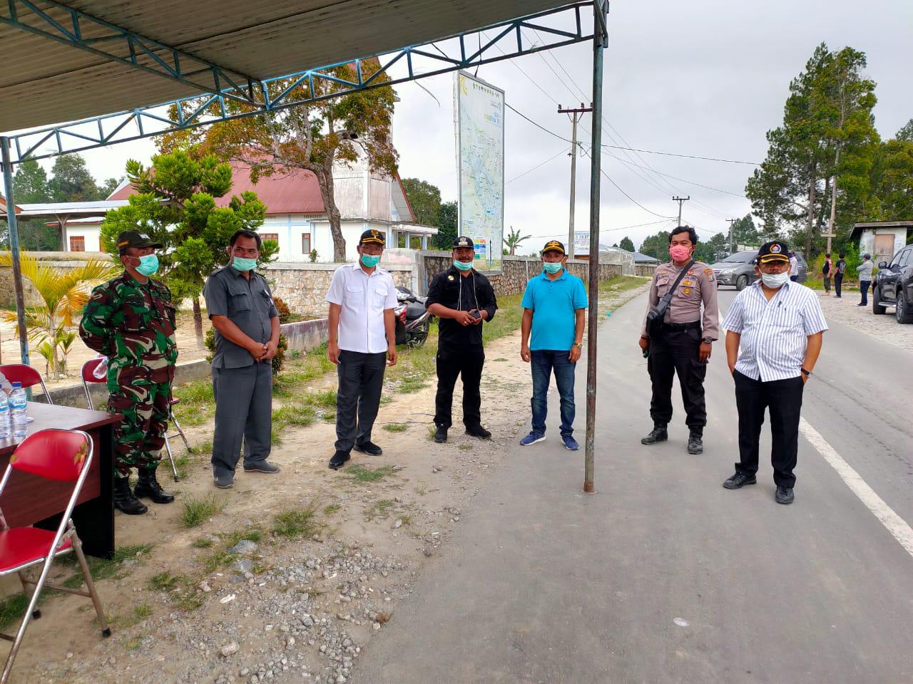 Kunjungan ke Posko 3 Siaga Covid-19 di Perbatasan Desa Hutajulu Kecamatan Pollung