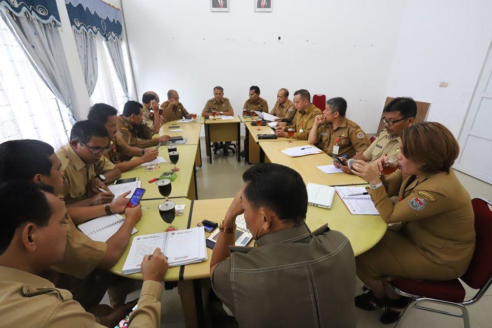 Rapat teknis penanganan Covid-19 yang dihadiri pimpinan OPD se- Kab. Humbang Hasundutan