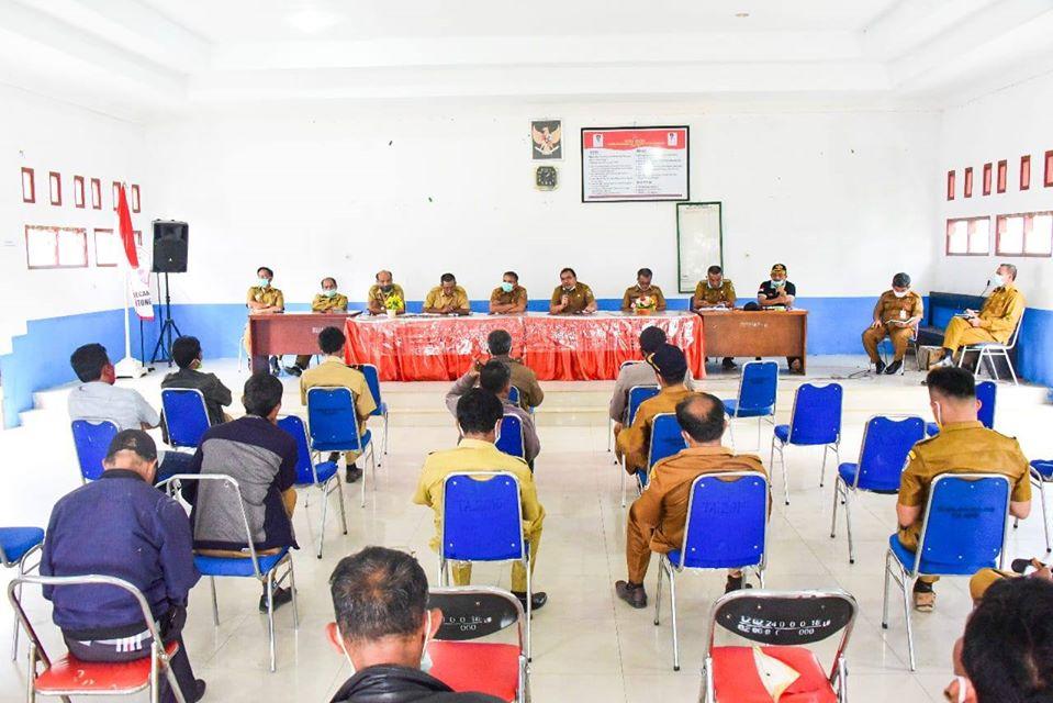 Bupati Pimpin Rapat Evaluasi Pembagian Bansos Untuk 10 Kecamatan