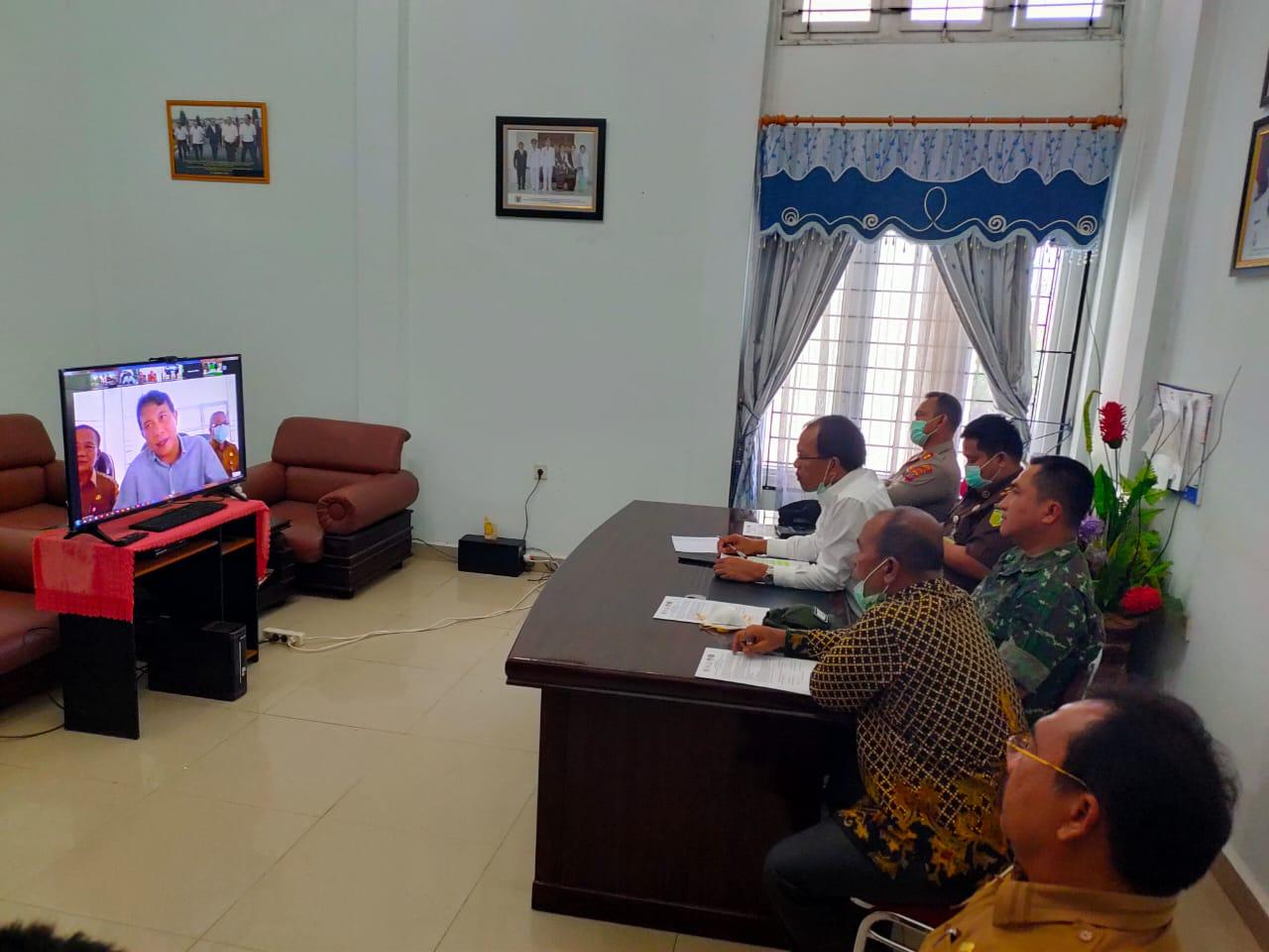 Bupati Humbang Hasundutan Teleconfrence dengan Gubernur Sumatera Utara